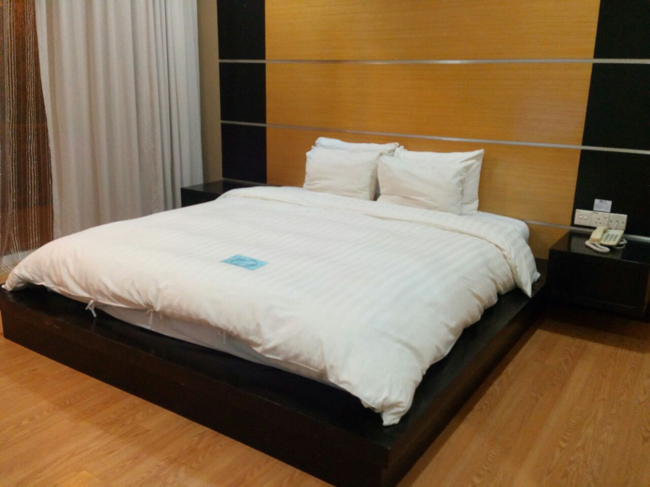 Standard Room Queen Bed2