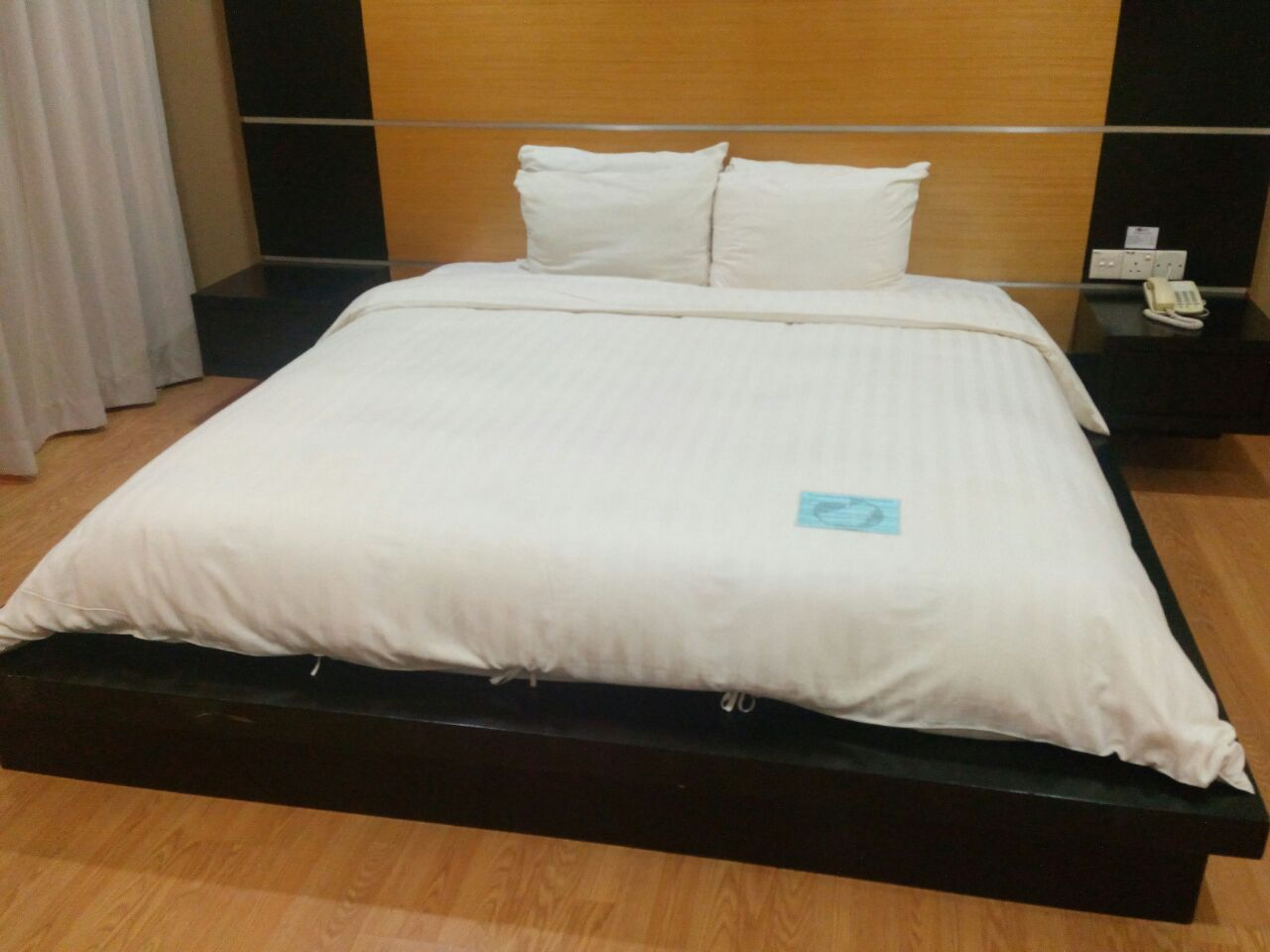 Standard Room Queen Bed1